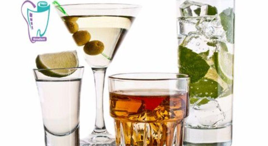 بعضی از انواع نوشیدنیهای بدون قند به دندانها آسیب میرسانند.