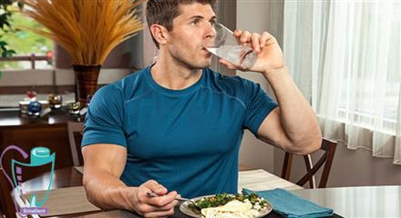 درد همراه با تأخیر بعد از خوردن غذاها و مایعات داغ یا سرد