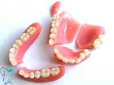 تمیز کردن دندان مصنوعی