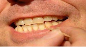 چرا نباید از خلال دندان استفاده کنیم